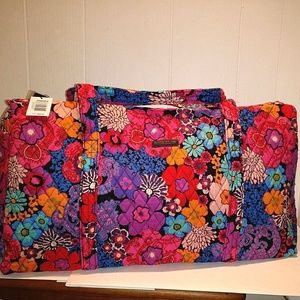 NWT Vera Bradley Large Duffel Bag Floral Fiesta
